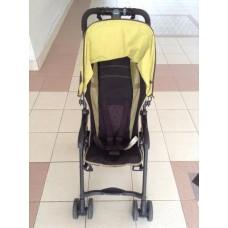 รถเข็นเด็ก  ยี่ห้อ combi  น้ำหนักเบามาก  กางและเก็บโดยใช้มือเดียวได้  มีมุ้งครอบ